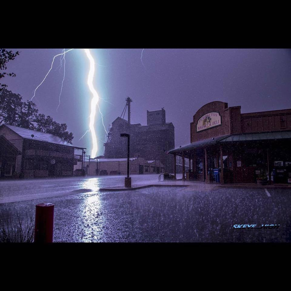 Lightning bolt over Templeton Market and Deli